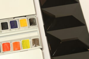 How to choose the right colours to complete a watercolour palette